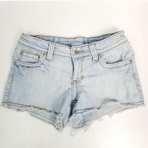 725 Originals 7 Faded Stretchy Cut-Off Jean Shorts